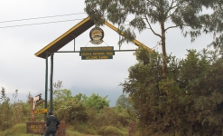 0448 - Arusha NP entrance gate