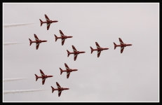 Red-Arrows-IC2F1219
