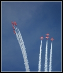 Red-Arrows-climbing_2347