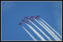 Red-Arrows-inverted_2363