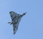 Southport-Vulcan soaring for a wing-over - 5994