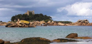 france-bay-brittany-1306