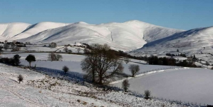 the-howgills-in-snow-8637